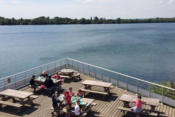 L'heure de déjeuner au centre nautique de Poses dans l'Eure
