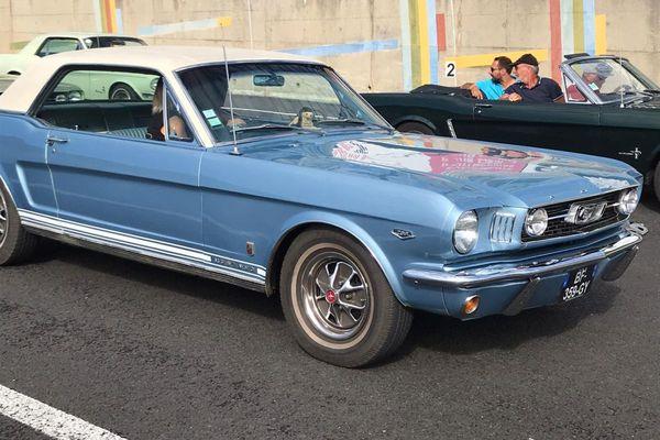 De nombreux modèles de Ford Mustang étaient présents dimanche 5 septembre à Charade.