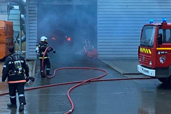 Les pompiers de l'Aube ont maîtrisé l'incendie au lever du jour