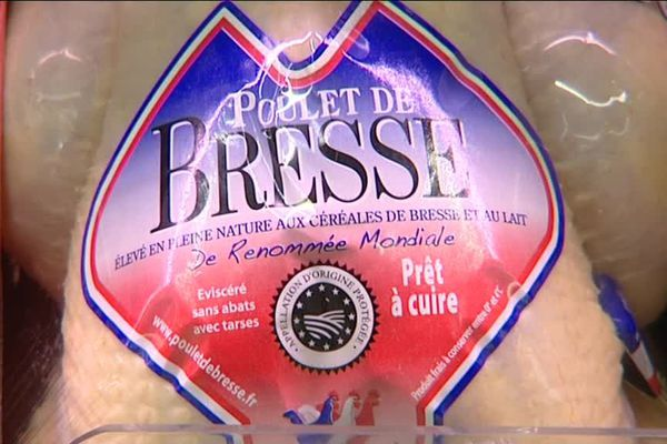 Un poulet de Bresse en supermarché. Une image Romy Ho-A-Chuck