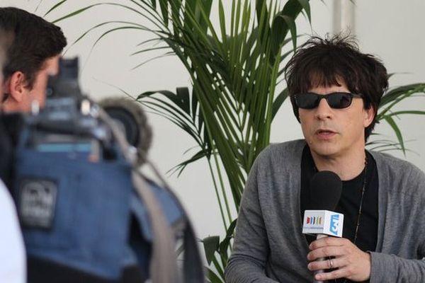 Nicolas Sirkis, leader d'Indochine répond aux questions de France 3 au Main Square Festival ce dimanche.