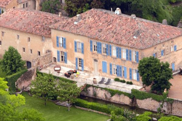Vue aérienne du Domaine Miraval dans le Var, chez Brad Pitt et Angelina Jolie