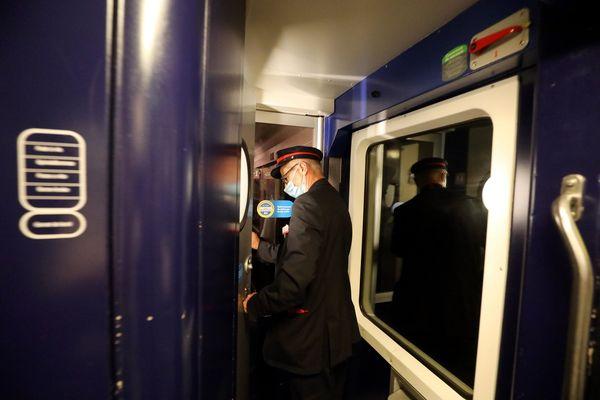 Le retour du train de nuit Paris-Lourdes fait partie du plan de renouveau des trains de nuit en France.