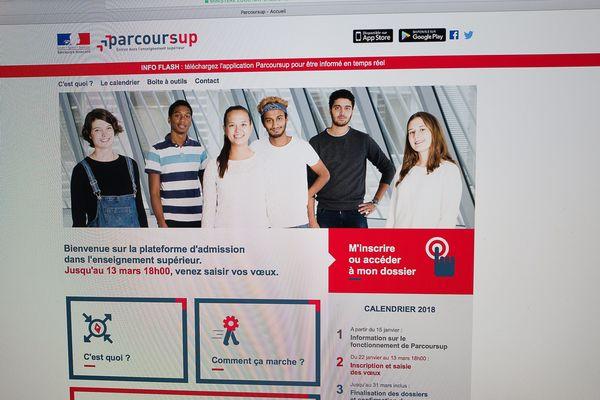 Les règles d'affectation dans l'enseignement supérieur via la nouvelle plateforme, Parcoursup, sont en ligne depuis le 15 janvier 2018. Premières réponses ce mardi soir.