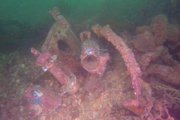 Deux plongeurs amateurs retrouvent un bombardier de 1944 dans la baie de Saint-Malo