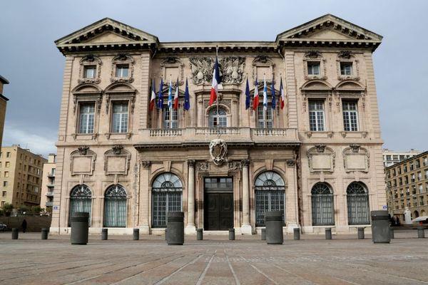Le premier sondage à 9 semaines des élections municipales donne LR et RN dans un mouchoir de poche au premier tour à Marseille.