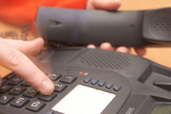 En Haute-Loire, 8600 foyers sont privés de téléphone fixe et d'internet ce mardi 11 février, en raison d'une fibre Orange coupée par un tiers à Loucéa.