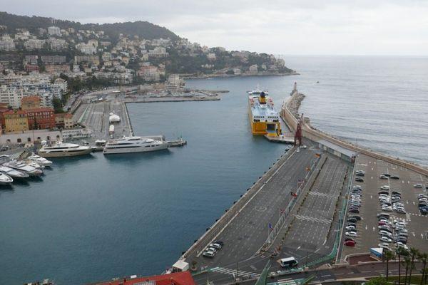 Le port de Nice régulièrement pollué par les paquebots