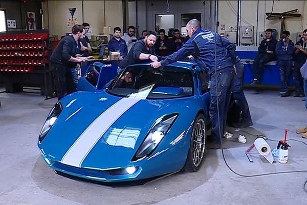 Renner, le prototype construit par les élèves de l'école Espera Sbarro de Montbéliard, sera présenté au salon international de l'automobile de Genêve