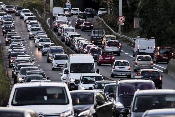 Remplacer une vieille citadine par un véhicule moins polluant, en profitant de la prime à la conversion, est désormais impossible (illustration).