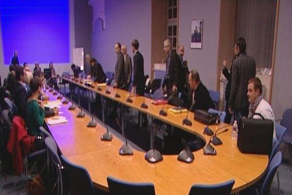 Les forains et les autorités se sont rencontrés pendant plus de 4 heures à la préfecture à Rouen ce mercredi 14 octobre 2015.