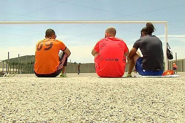Villeneuve-lès-Maguelone (Hérault) - des détenus jouent eu rugby - 2016.