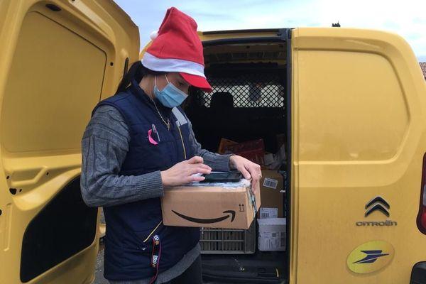 C'est Noël pour la Poste qui a enregistré une hausse de 50 % du nombre de colis à distribuer dans le secteur de Montpellier, en cette fin d'année.