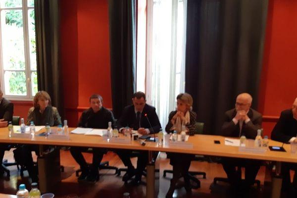 Le conseil exécutif de Corse demande aux services de l'État de revenir à la table des négociations.