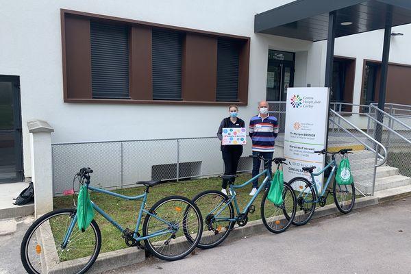 """L'association """"Du Sport et Plus"""" a offert trois vélos au service pédiatrie du centre hospitalier de Corbie"""