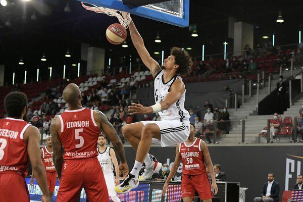 Les Villeurbannais étaient bien assis dans leur demi-finale contre Strasbourg remportée 83-67. Ils défendront leur titres dans ce Final 4 contre Dijon en finale, ce samedi 26 juin à 13h30