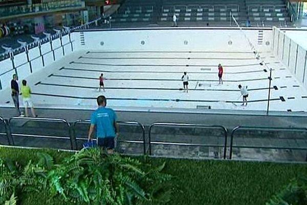 La piscine olympique du Grand Dijon est vidangée deux fois par an sous le contrôle de l'ARS (Agence régionale de santé).