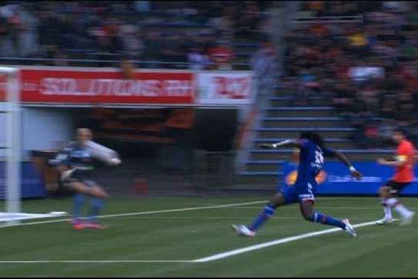 Gomis crucifie Lorient à la 22è minute