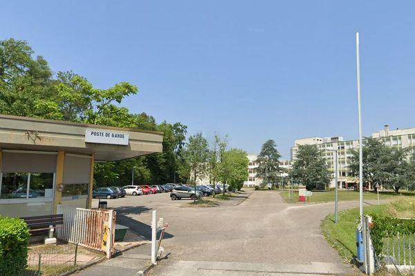 Coronavirus : 5 personnes contaminées à l'hôpital pour personnes âgées Antoine Charrial de Francheville 'Rhône)