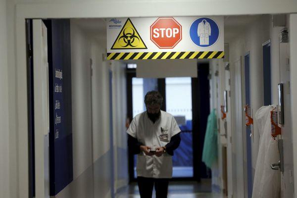 Illustration : l'Institut Hospitalo-Universitaire (IHU) Méditerranée Infection accueille les personnes atteintes de coronavirus dans les Bouches-du-Rhône.