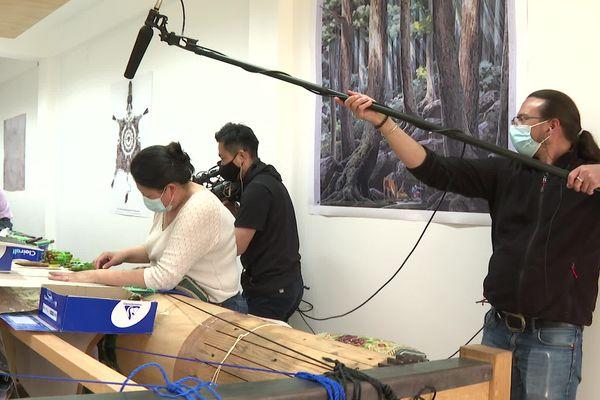 La télévision japonaise NHK présente une émission depuis la Cité de la tapisserie à Aubusson