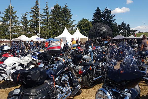 Au moins 400 motos étaient rassemblées ce week-end à Couches.