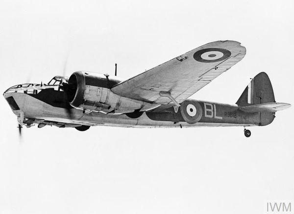 Ce bombardier Bristol Blenheim du 40 Squadron effectua un raid sur les barges de débarquement positionnées à Ostende (Belgique) dans la nuit du 8 au 9 septembre 1940 mais fut abattu par les Allemands.
