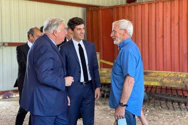 Lot - Gérard Larcher, président du Sénat et Aurélien Pradié, député du Lot à la rencontre des agriculteurs. 3 juin 2021.