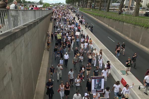 Plus de 3000 manifestants ont emprunté la voie sur berge à Angers.
