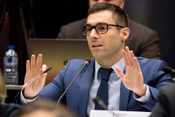 Julien Odoul, du Rassemblement National a relancé le débat sur le port du voile en France.