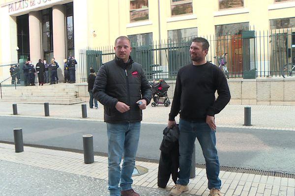 Deux agriculteurs relaxés après leur comparution pour la dégradation du centre des impôts de Nîmes au cours d'une manifestation.
