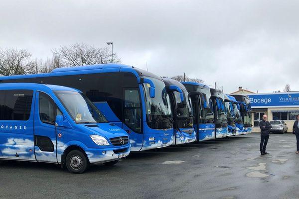 En temps normal les autocars de l'entreprise Chaigneau en Vendée sont tous sur la route, l'arrêt des transports scolaires, dû au coronavirus l'a contrainte à des mesures de chômage partiel
