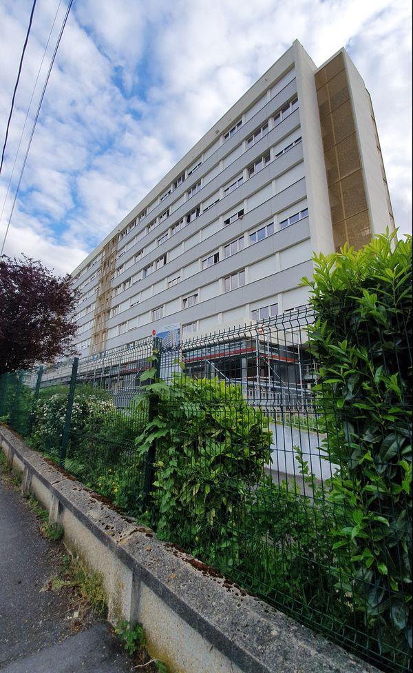 248 euros par mois la chambre en Cité U à Reims. Malgré la promiscuité, certains étudiants ne trouvent pas meilleures solutions.