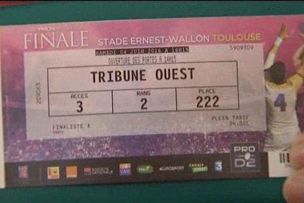 Les premiers détenteurs de billets sont heureux : Aurillac/Bayonne au stade Ernest Wallon de Toulouse se joue samedi 4 juin à 16h15.