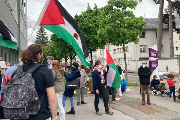 Une trentaine de pro-Palestiniens ont manifesté à Annecy le 12 mai 2021.