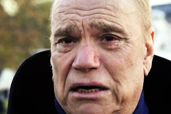 L'ancien patron de l'Olympique de Marseille, actuel propriétaire du journal La Provence, âgé de 75 ans, est atteint d'un cancer à l'estomac