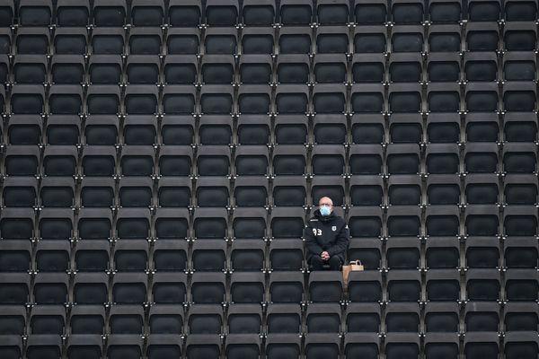 Les tribunes du stade Raymond Kopa à Angers
