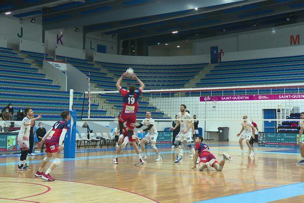 Les volleyeurs de Saint-Quentin se sont imposés 3 sets à 0 face à Saint-Jean-d'Illac.