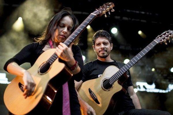 Rodrigo y Gabriela aux Nuits de Fourvière à Lyon, en 2012.