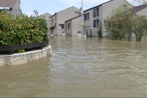 Certaines rues de Dijon se sont transformées en rivière