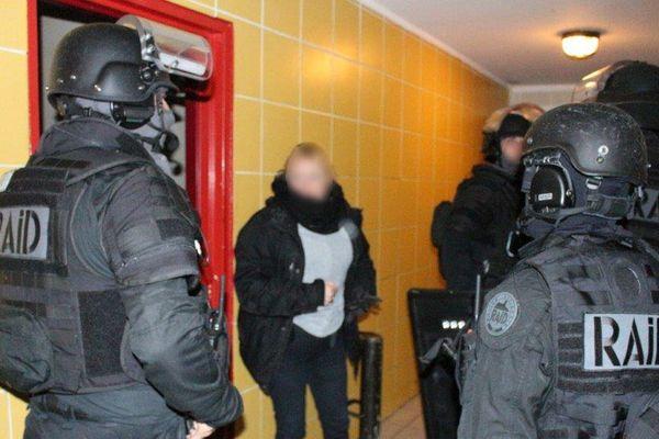 Opération de police dans le quartier de Beaubreuil à Limoges, le 14 novembre 2017