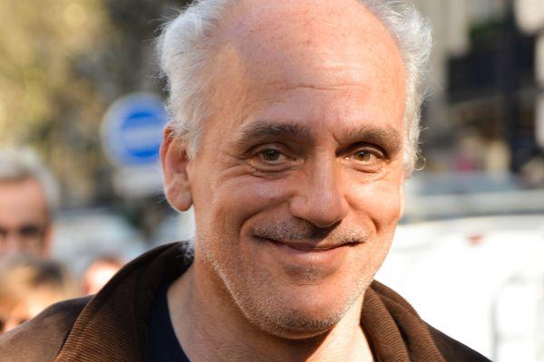 Philippe Poutou le candidat d'extrême gauche dénonce une campagne interrompue