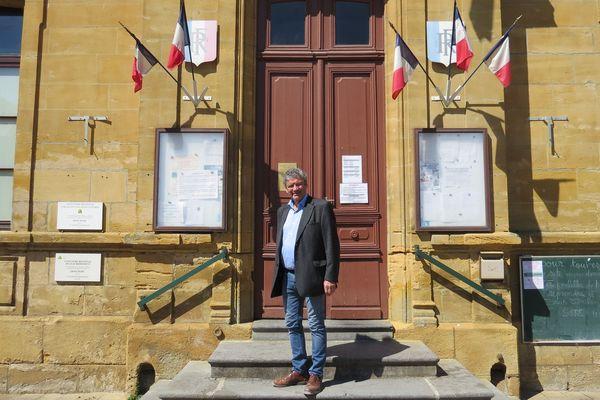 """""""Pas de tests pas d'école"""" répète à l'envi le maire de cette bourgade ardennaise"""