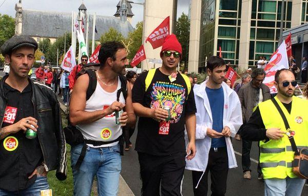 Des militants de la CGT rue François de Sourdis