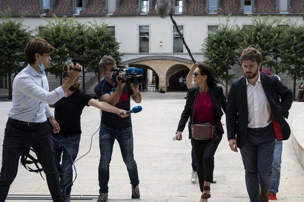 La presse nationale et japonaise au palais de justice de Besançon où est arrivée Me Jacqueline Laffont, avocate de Nicolas Zepeda.
