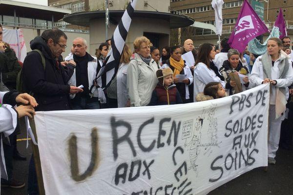 Mercredi 6 février 2019 soignants, patients et citoyens ont marché ensemble pour défendre les urgences de l'hôpital de Saint-Malo