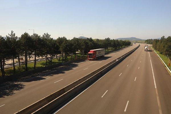 Samedi 11 avril, un automobiliste surprisà une vitesse de 260 km/h sur l'autoroute A7, au lieu de 130. Sanction immédiate : retrait de permis !