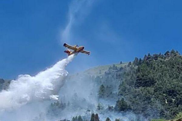 Un incendie est en cours ce vendredi 2 juillet sur la commune d'Isola, dans les Alpes-Maritimes.