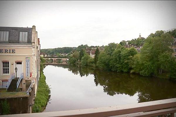 Argenton-sur-Creuse première commune de l'Indre à prendre un arrêté anti-pesticides.