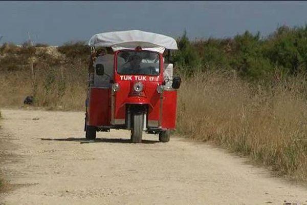 Le Tuk Tuk de Christophe Sébille sur les chemins de l'île de Ré.